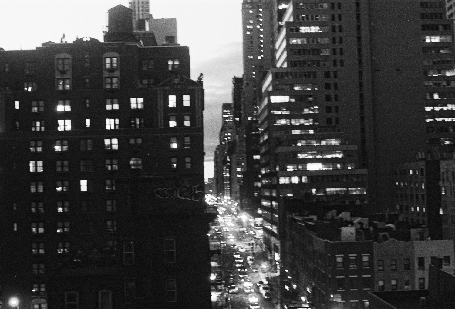 bw photo of nyc at night by wendy g photography