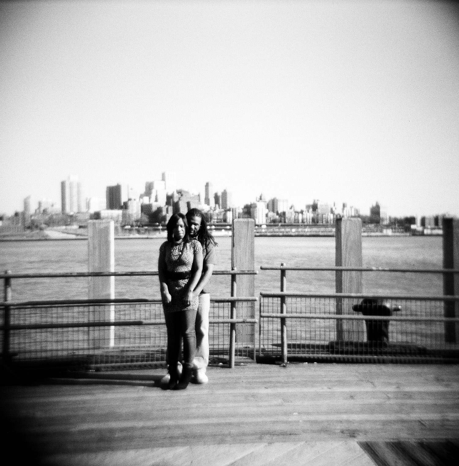 black and white south street seaport engagement portrait by wendy g photography