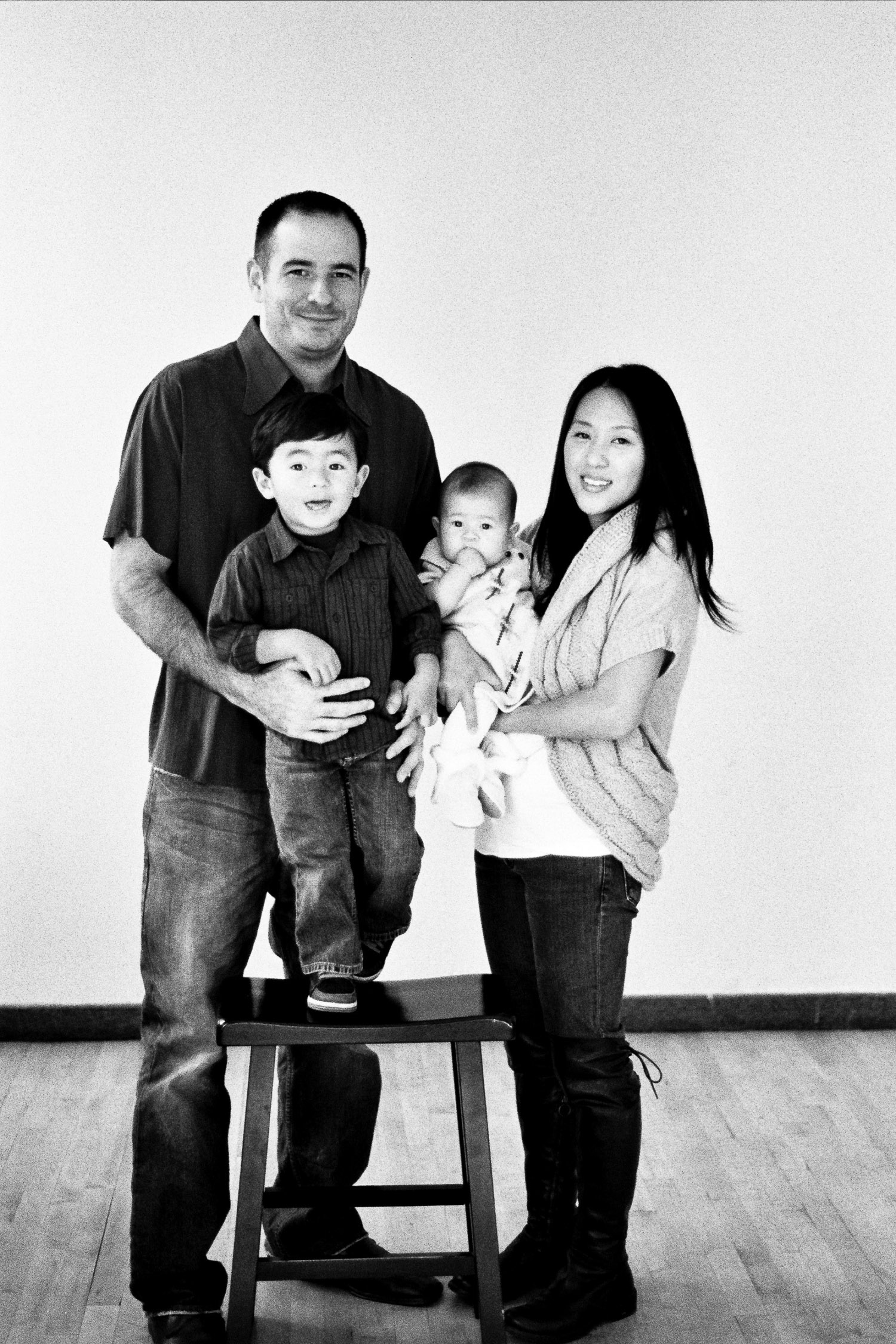 bw family portraits by wendy g photography