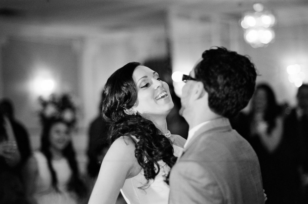 westchester ny wedding couple first dance photo by wendy g photography