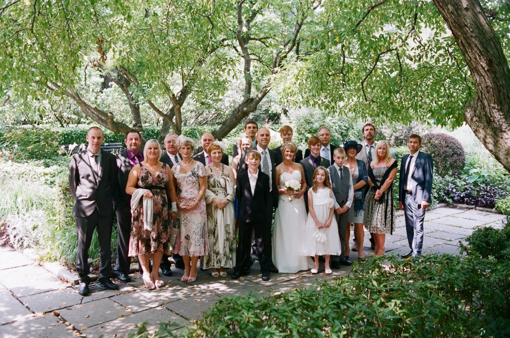 nyc conservatory garden wedding guests photo by wendy g photography