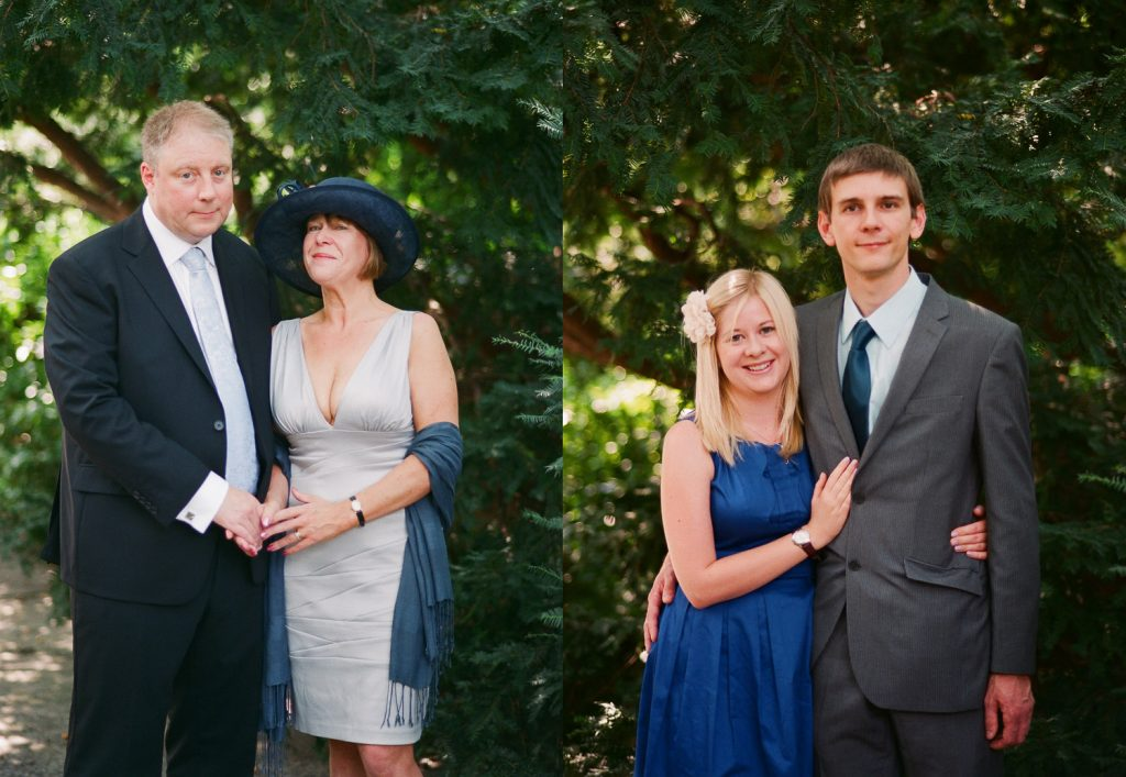 nyc conservatory garden wedding photos of guests by wendy g photography
