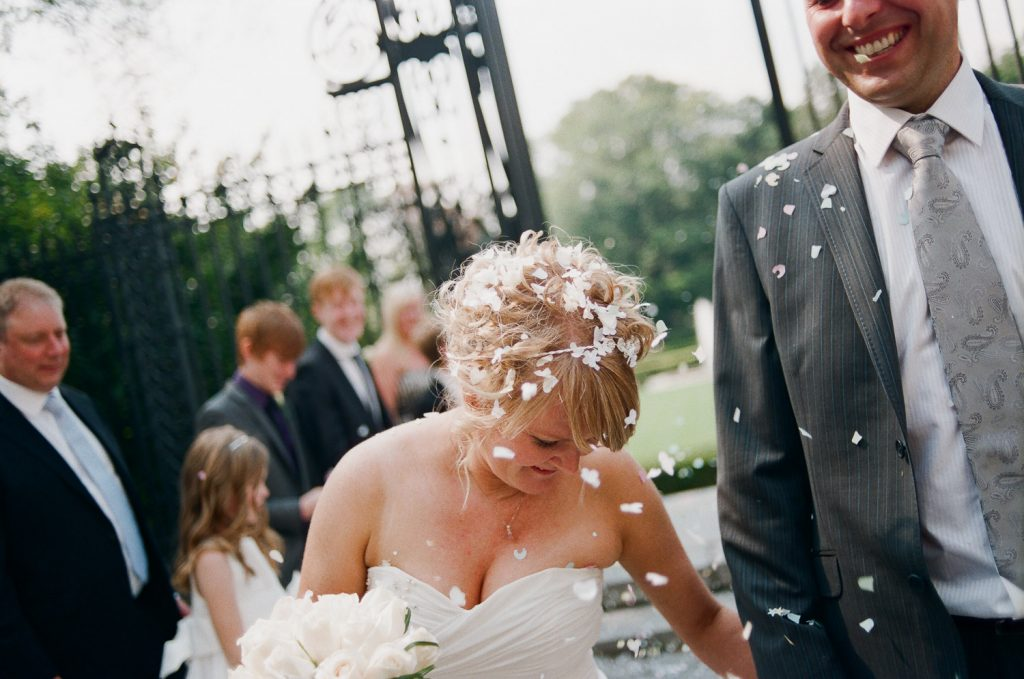 nyc conservatory garden wedding flower petals photo by wendy g photography