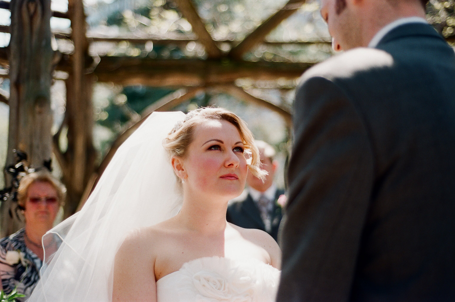 nyc central park cop cot wedding by wendy g photography