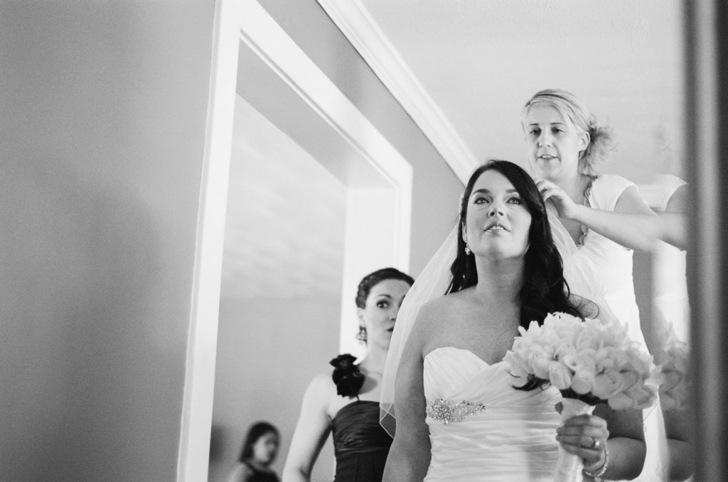 BNW westchester wedding bride veil photos by wendy g photorqaphy