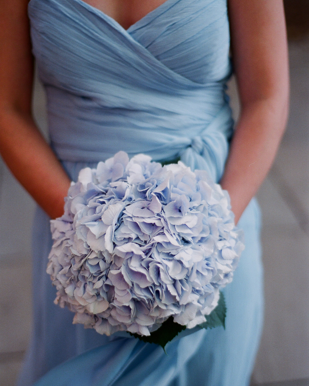 blue tonal wedding colors