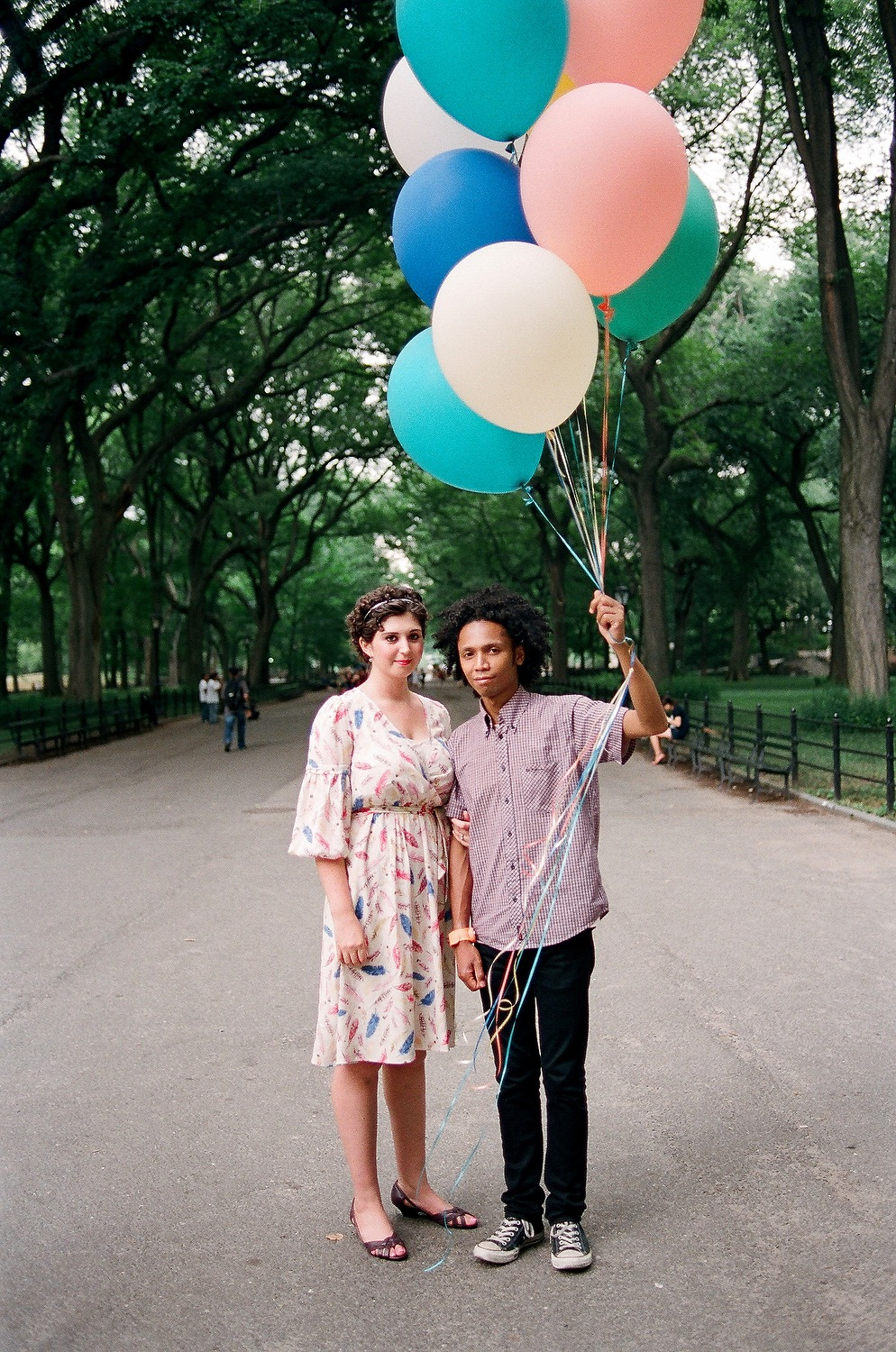 WWBM couple in central park with large balloons