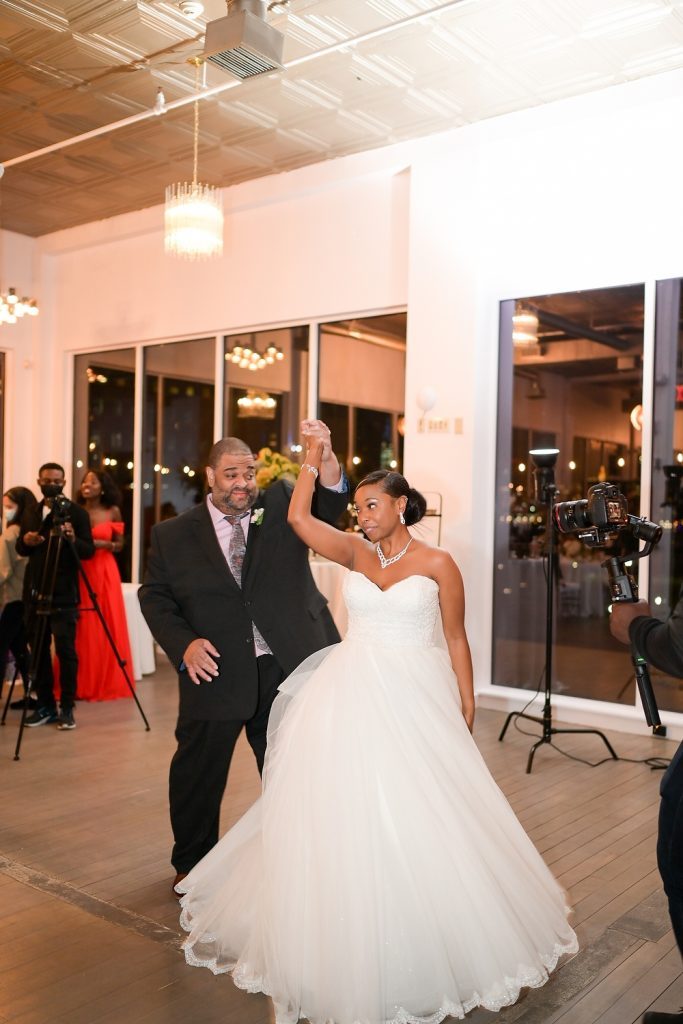 New Jersey loft wedding first dance by wendy g photography