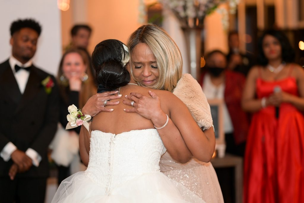 antique loft wedding mother and daughter dance by wendy g photography