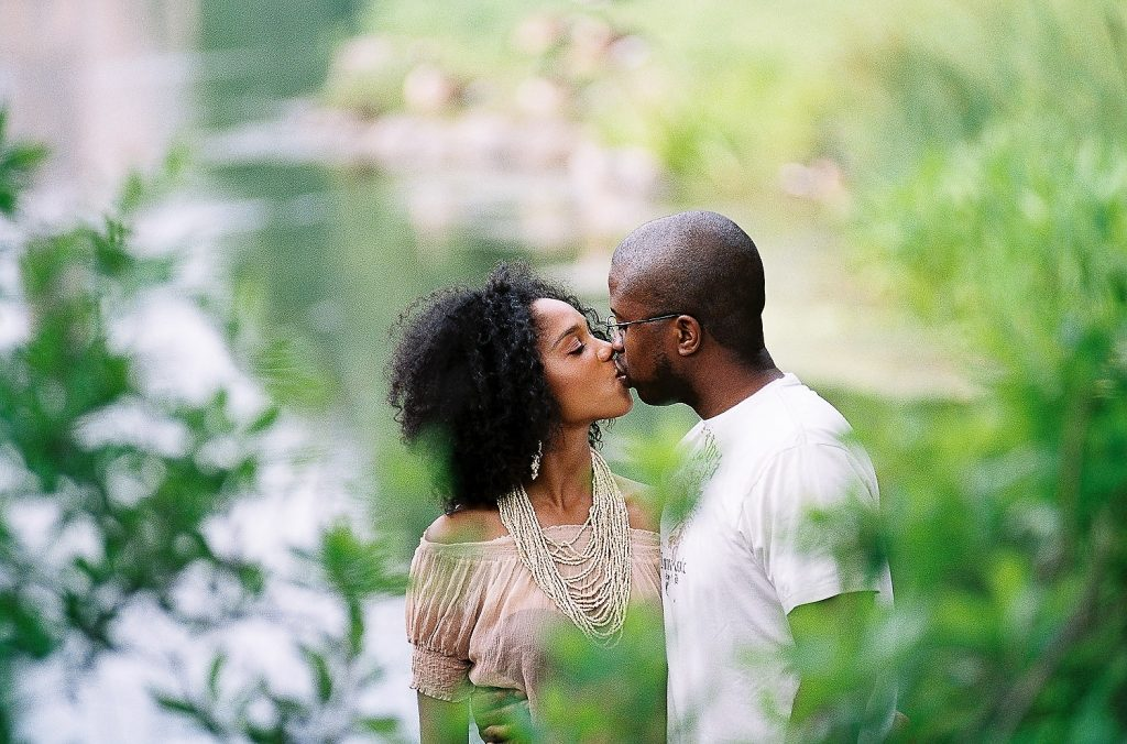 engagement portrait in harlem meer taken by nyc wedding photographer wendy g