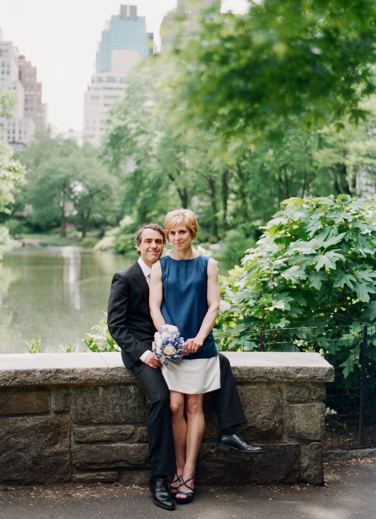 ny city hall couple portraits in central park by wendy g photography